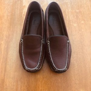 NWOT LLB LEATHER UPPERS (VIBRAM) LOAFTERS